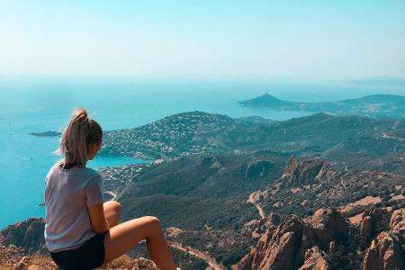 Explore the Esterel mountains from your 3* hotel in Cannes